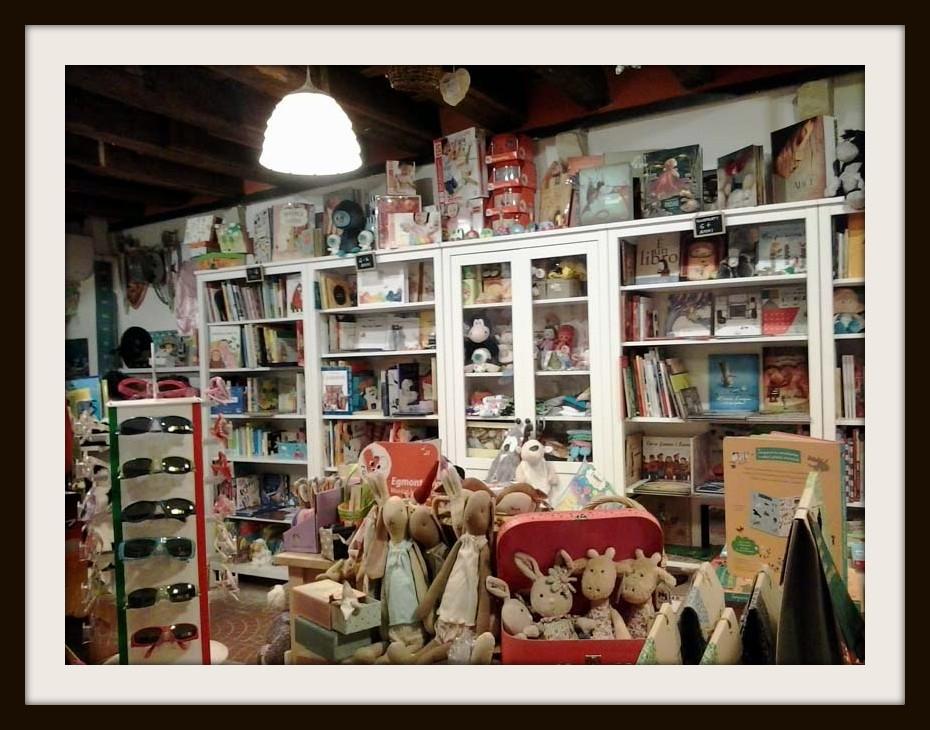 Veduta della libreria Ohana di Venezia
